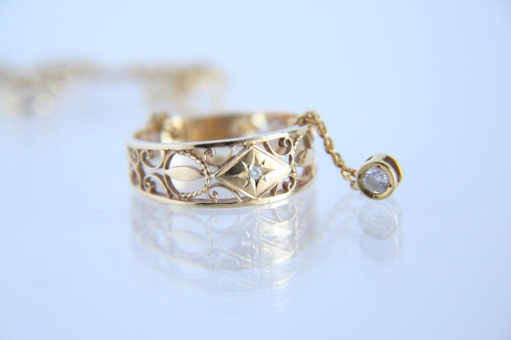 ダイヤリングネックレス