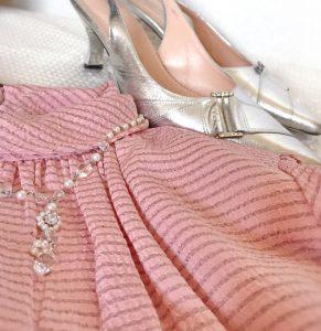 ピンクドレス シルバーパンプス